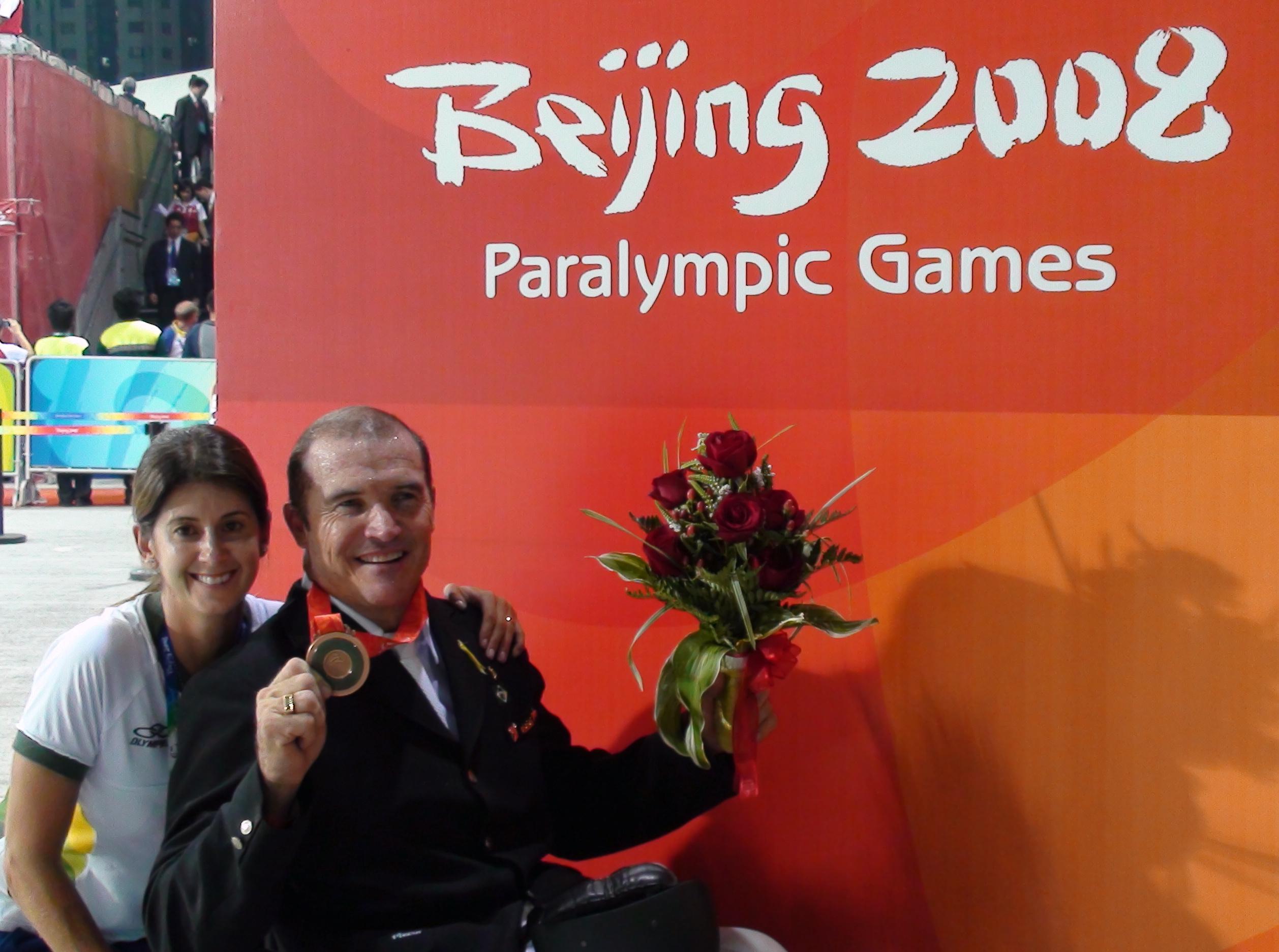 Eu com o Joca, medalhista paraolímpico em Pequim